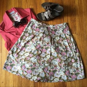 Dresses & Skirts - Floral skirt. Brand new condition. Cotton.